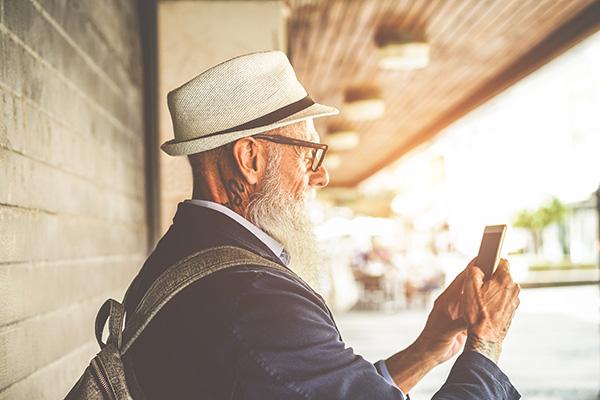 Nå åldre hyresgäster via SMS